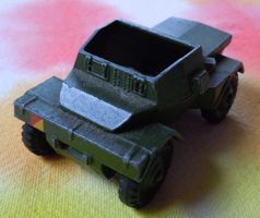 [(toy) armored scout car]