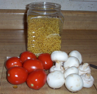 [pasta in a jar, tomatoes, mushrooms]