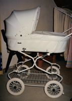 [baby carriage]